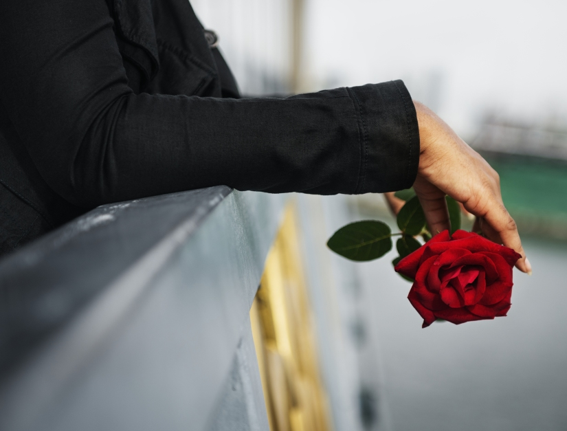 Tired of Roses that Wilt andDie?